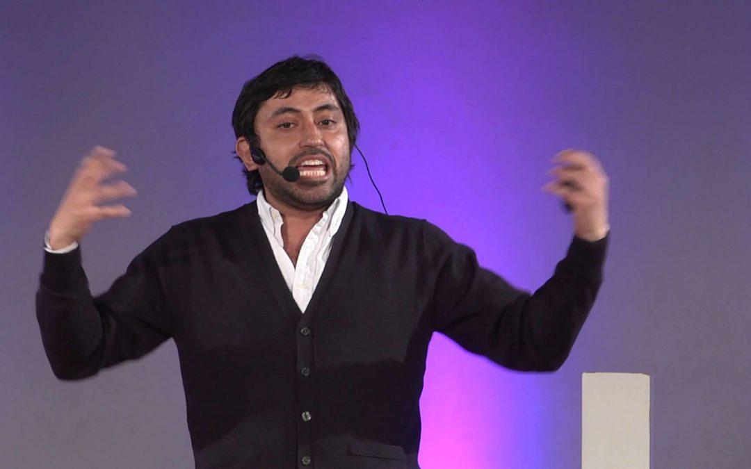TEDx Talks – Sebastian Cantuarias: No hay gente pobre, pobre es el contexto
